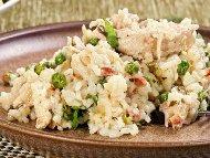 Рецепта Ароматно ризото от бял ориз с бекон, гъби, грах, пармезан и топено сирене